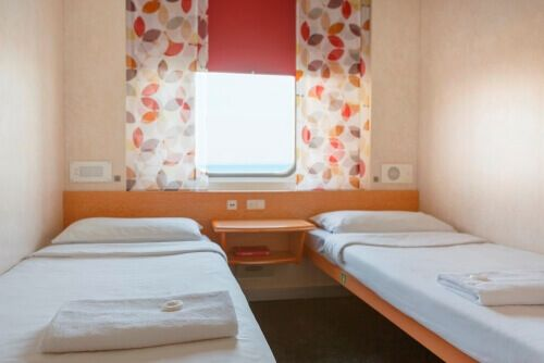 2 Bed Porthole Private Cabin